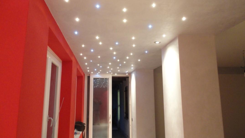 Illuminazione Di Un Corridoio : Come illuminare un corridoio lombardi lampadari