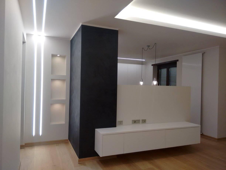 Illuminazione Ingresso Appartamento : Illuminazione abitazione alba cuneo lombardi lampadari