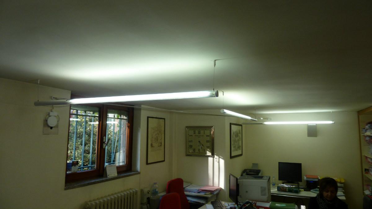 Luci Al Neon Per Ufficio.Illuminazione Ufficio Commercialista Tortona Lombardi Lampadari